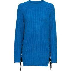 Sweter dzianinowy ze sznurowaną wstawką bonprix lazurowo-czarny. Niebieskie swetry klasyczne damskie bonprix, z dzianiny, ze sznurowanym dekoltem. Za 99,99 zł.