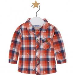 Koszula ze wzorem. Różowe koszule chłopięce marki Mayoral, z bawełny, z okrągłym kołnierzem. W wyprzedaży za 72,95 zł.
