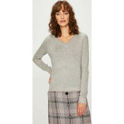Vero Moda - Sweter Clair. Szare swetry klasyczne damskie marki Vero Moda, l, z dzianiny. W wyprzedaży za 119,90 zł.