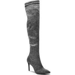 Muszkieterki SCHUTZ - S 01723 0285 0002 U Silver/Black. Czarne buty zimowe damskie Schutz, z materiału, przed kolano, na wysokim obcasie, na obcasie. W wyprzedaży za 759,00 zł.