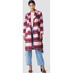 NA-KD Płaszcz w szkocką kratę - Pink. Niebieskie płaszcze damskie wełniane marki Reserved. W wyprzedaży za 222,98 zł.