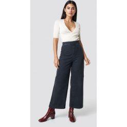 NA-KD Szerokie spodnie z denimu - Grey. Szare spodnie z wysokim stanem NA-KD, z denimu. Za 161,95 zł.