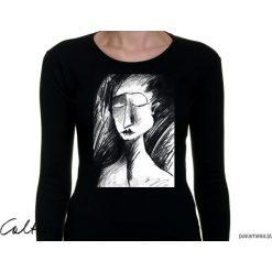 Szkic - damska koszulka z długim rękawem. Czarne bluzki z odkrytymi ramionami marki Pakamera. Za 79,00 zł.