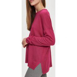 Swetry klasyczne damskie: Lekki sweter - Różowy
