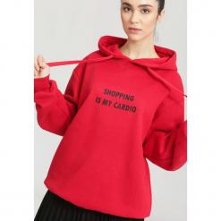 Czerwona Bluza Is My Cardio. Czerwone bluzy rozpinane damskie other, l, z kapturem. Za 59,99 zł.