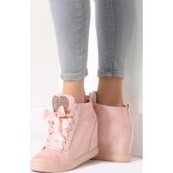 Różowe Sneakersy Thumbs Up!. Czerwone sneakersy damskie marki vices, z materiału. Za 119,99 zł.
