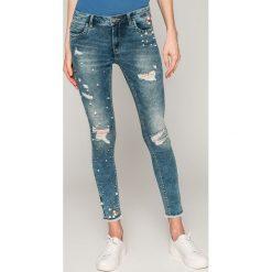 Only - Jeansy Kendell. Szare jeansy damskie marki ONLY, s, z bawełny, casualowe, z okrągłym kołnierzem. W wyprzedaży za 179,90 zł.