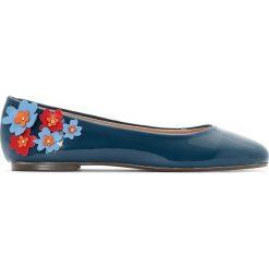 Baleriny damskie: Baleriny lakierkowane z kwiatem