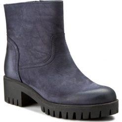 Botki CARINII - B2889/O D58-861-POL-A06. Niebieskie buty zimowe damskie Carinii, z nubiku, na obcasie. W wyprzedaży za 239,00 zł.