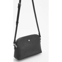 Mała torebka cross body - Czarny. Czarne torebki klasyczne damskie marki Reserved, małe. Za 59,99 zł.