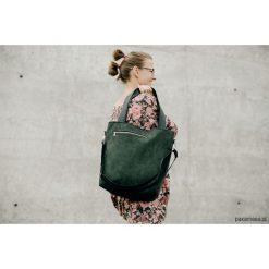 Torebka tL z zielonego zamszu. Zielone torebki klasyczne damskie Pakamera. Za 170,00 zł.