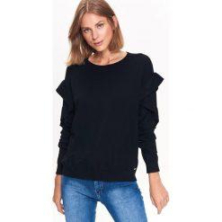 CIENKI SWETER Z FALBANKAMI NA RĘKAWACH. Czarne swetry klasyczne damskie marki Top Secret, na jesień, z falbankami. Za 79,99 zł.