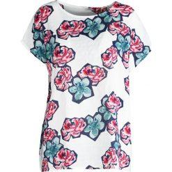 T-shirty damskie: Biało-Różowy T-shirt Wreath