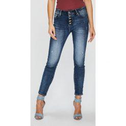 Answear - Jeansy Femifesto. Niebieskie jeansy damskie rurki marki ANSWEAR, z bawełny. W wyprzedaży za 119,90 zł.