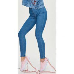 Jeansy high waist - Niebieski. Niebieskie jeansy damskie marki Sinsay, z podwyższonym stanem. Za 49,99 zł.