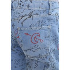 Topman Jeansy Slim Fit blue. Niebieskie jeansy męskie relaxed fit marki Topman, z bawełny. W wyprzedaży za 199,20 zł.