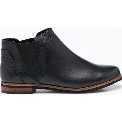 Caprice - Botki. Czarne buty zimowe damskie Caprice, z materiału, z okrągłym noskiem, na obcasie. W wyprzedaży za 169,90 zł.