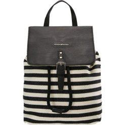 FREDsBRUDER PACK ME Plecak black/white. Czarne plecaki damskie FREDsBRUDER. Za 499,00 zł.