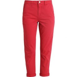 Chinosy damskie: Mint Velvet RELAXED CASUAL Chinosy red