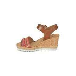 Sandały Gabor  YOLETTE. Czerwone sandały damskie marki Gabor. Za 383,20 zł.