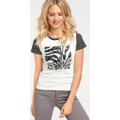Odzież damska: Koszulka w kolorze biało-czarnym