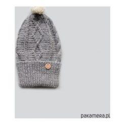 Czapki damskie: wywijana szara czapka z wełny alpaki