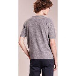 Folk Tshirt z nadrukiem greys mix. Szare t-shirty męskie z nadrukiem Folk, l, z bawełny. Za 659,00 zł.