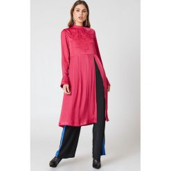 Free People Haftowana tunika New Day - Pink. Różowe tuniki damskie marki Free People, z haftami, z poliesteru, ze stójką. W wyprzedaży za 230,99 zł.