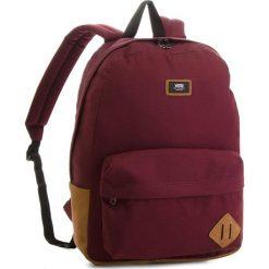 Plecak VANS - Old Skool II Ba V000ONIKRJ Port Royale. Czerwone plecaki męskie marki Vans, z materiału, sportowe. W wyprzedaży za 139,00 zł.