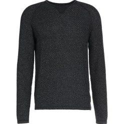 DRYKORN CRAIK Sweter anthrazit. Niebieskie swetry klasyczne męskie marki DRYKORN, m, z dekoltem karo. W wyprzedaży za 411,75 zł.