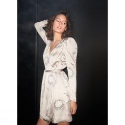 Sukienka z astrologicznym printem - Jasny szar. Czarne sukienki z falbanami Reserved, l. Za 199,99 zł.