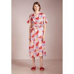 Długie sukienki: Mother of Pearl THELMA Długa sukienka poppy meadow pink