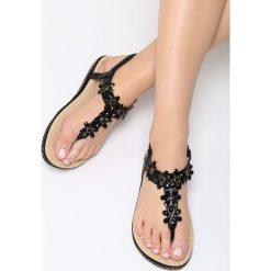 Czarne Sandały Cyclamen. Czarne sandały damskie marki Born2be, z materiału, na obcasie. Za 79,99 zł.