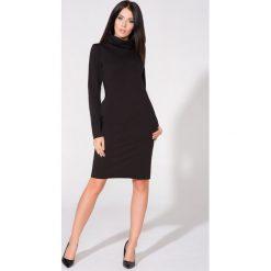 Czarna Sukienka Dzianinowa z Kominem. Czarne sukienki dzianinowe marki Molly.pl, do pracy, l, biznesowe, z kominem, z długim rękawem, oversize. Za 139,90 zł.