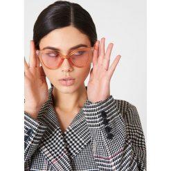 Okulary przeciwsłoneczne damskie: NA-KD Trend Kolorowe okulary przeciwsłoneczne Pointy – Orange