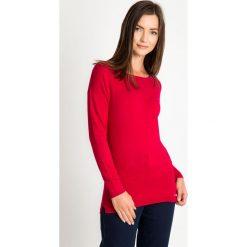 Malinowy sweter basic QUIOSQUE. Różowe swetry klasyczne damskie marki QUIOSQUE, uniwersalny, z dzianiny, z klasycznym kołnierzykiem. W wyprzedaży za 69,99 zł.