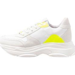 Trampki damskie slip on: Steve Madden ZELA Tenisówki i Trampki yellow/white