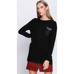 Czarny Sweter Does It Feel. Czarne swetry klasyczne damskie Born2be, l, z okrągłym kołnierzem. Za 89,99 zł.