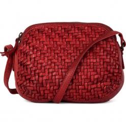 Skórzana torebka w kolorze czerwonym - 23 x 17 x 8 cm. Czerwone torebki klasyczne damskie neropantera, w paski, z materiału. W wyprzedaży za 318,95 zł.