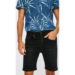 Casual Friday - Szorty. Czerwone spodenki jeansowe męskie marki Cropp. W wyprzedaży za 119,90 zł.