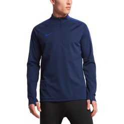 Nike Koszulka męska Shield Strike Drill czarna r. S (807028 011). Czarne t-shirty męskie Nike, m, do piłki nożnej. Za 313,91 zł.