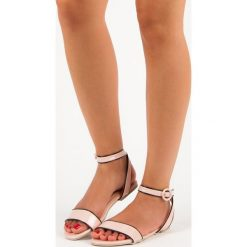 Lakierowane sandały vices Vices różowe. Czerwone sandały damskie vices, z lakierowanej skóry. Za 39,90 zł.