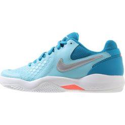 Nike Performance AIR ZOOM RESISTANCE CLY Obuwie do tenisa Outdoor bleached aqua/metallic silver. Niebieskie buty sportowe damskie Nike Performance, z materiału, na golfa. Za 299,00 zł.