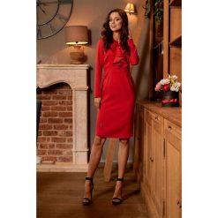 ALWAYS FREE Sukienka biznesowa z żabotem czerwony. Czerwone długie sukienki Lemoniade, do pracy, biznesowe, z klasycznym kołnierzykiem, z długim rękawem. Za 169,00 zł.