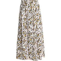 Gestuz LEOPA SKIRT Długa spódnica golden. Brązowe długie spódnice Gestuz, z materiału. Za 589,00 zł.
