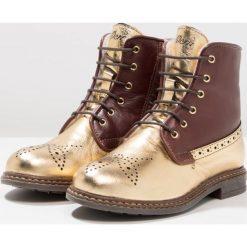 Ocra Botki sznurowane king paglia/bolivia scoiattolo. Brązowe buty zimowe damskie Ocra, z futra, na sznurówki. W wyprzedaży za 419,40 zł.