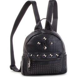 Plecak NOBO - NBAG-F2420-C020 Czarny. Czarne plecaki damskie Nobo, ze skóry ekologicznej. W wyprzedaży za 179,00 zł.
