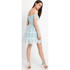 Sukienki hiszpanki: Chi Chi London Petite ALINE Sukienka koktajlowa cornflower blue