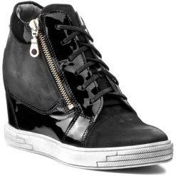 Sneakersy KARINO - 1176/090-P Czarny Lakier. Fioletowe sneakersy damskie marki Karino, ze skóry. W wyprzedaży za 279,00 zł.