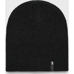 Answear - Czapka. Czarne czapki zimowe damskie marki ANSWEAR, na zimę, z dzianiny. Za 39,90 zł.